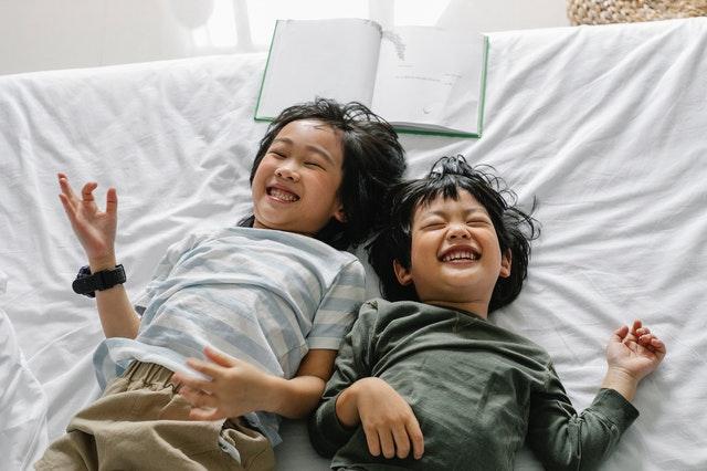 本會聽覺口語師提供家長多種情境教學方法,助孩子快樂開口說!